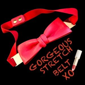 Red faux leather bow stretch belt EUC